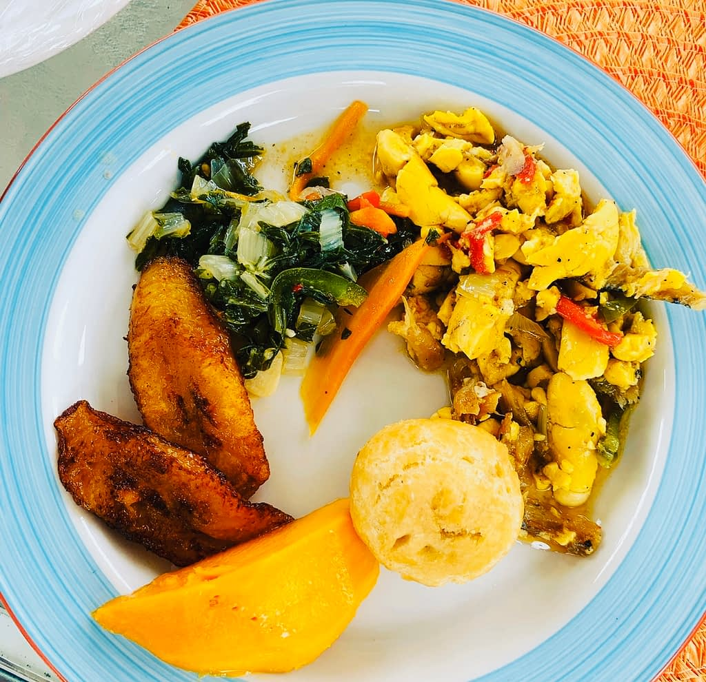 HOW TO COOK ACKEE AND SALTFISH—JAMAICA'S NATIONAL DISH